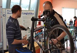Servisiranje kolesa v teku