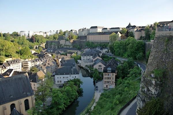 Grund ob reki Alzette, Luksemburg. Foto: Yoo Chung, Wikimedia