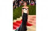 Emma Watson nosi obleko iz recikliranih plastenk